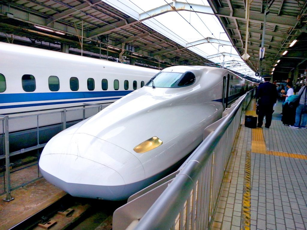 bullet-train-1540467_1280